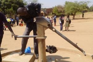 waterpomp in Chimoio gerepareerd